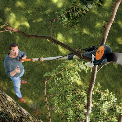 Easily Cut High Branches With Fiskars New Tree Pruner
