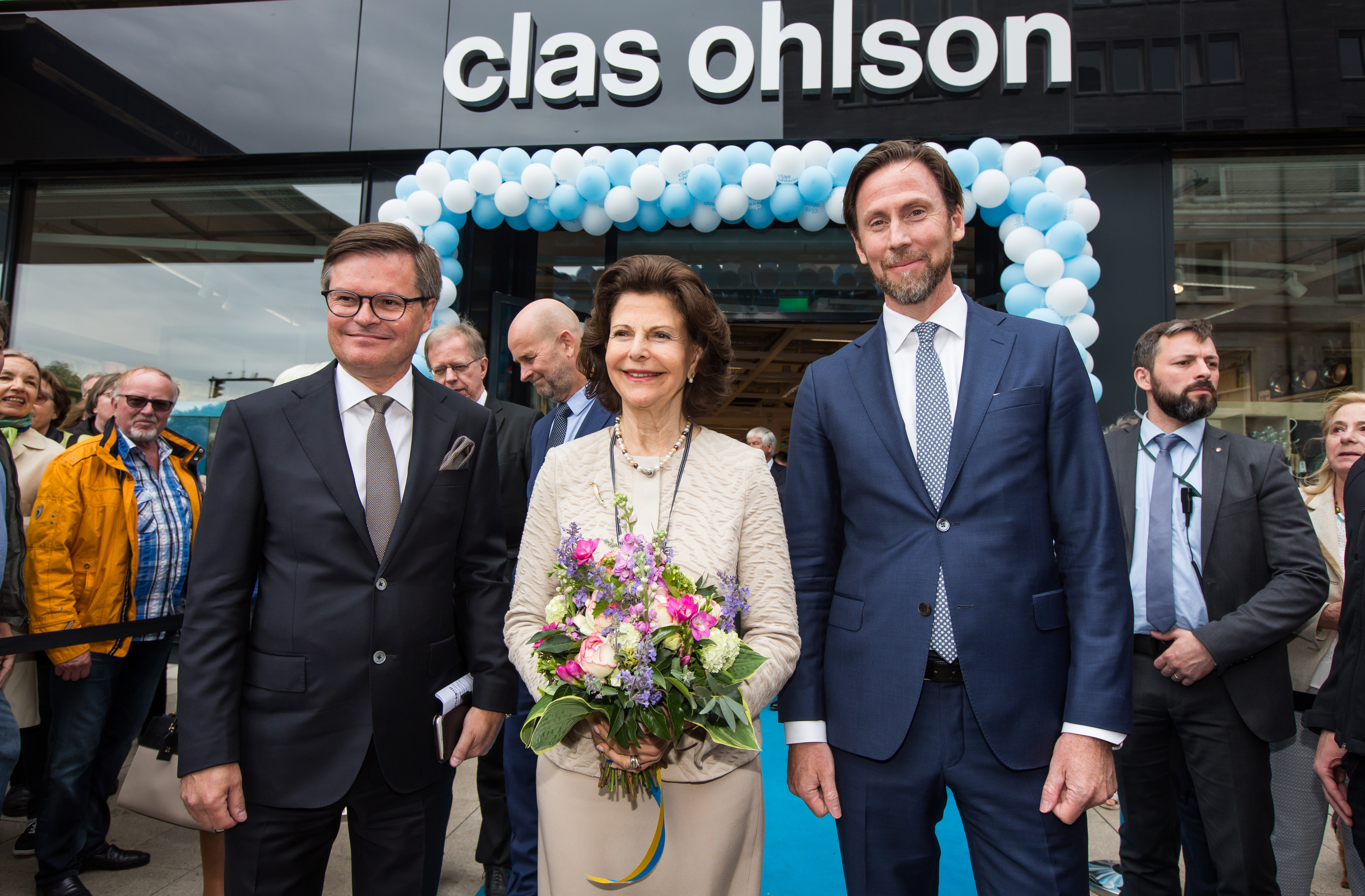 kenneth bengtsson chairman of the board h m queen silvia and klas balkow clas ohlson. Black Bedroom Furniture Sets. Home Design Ideas