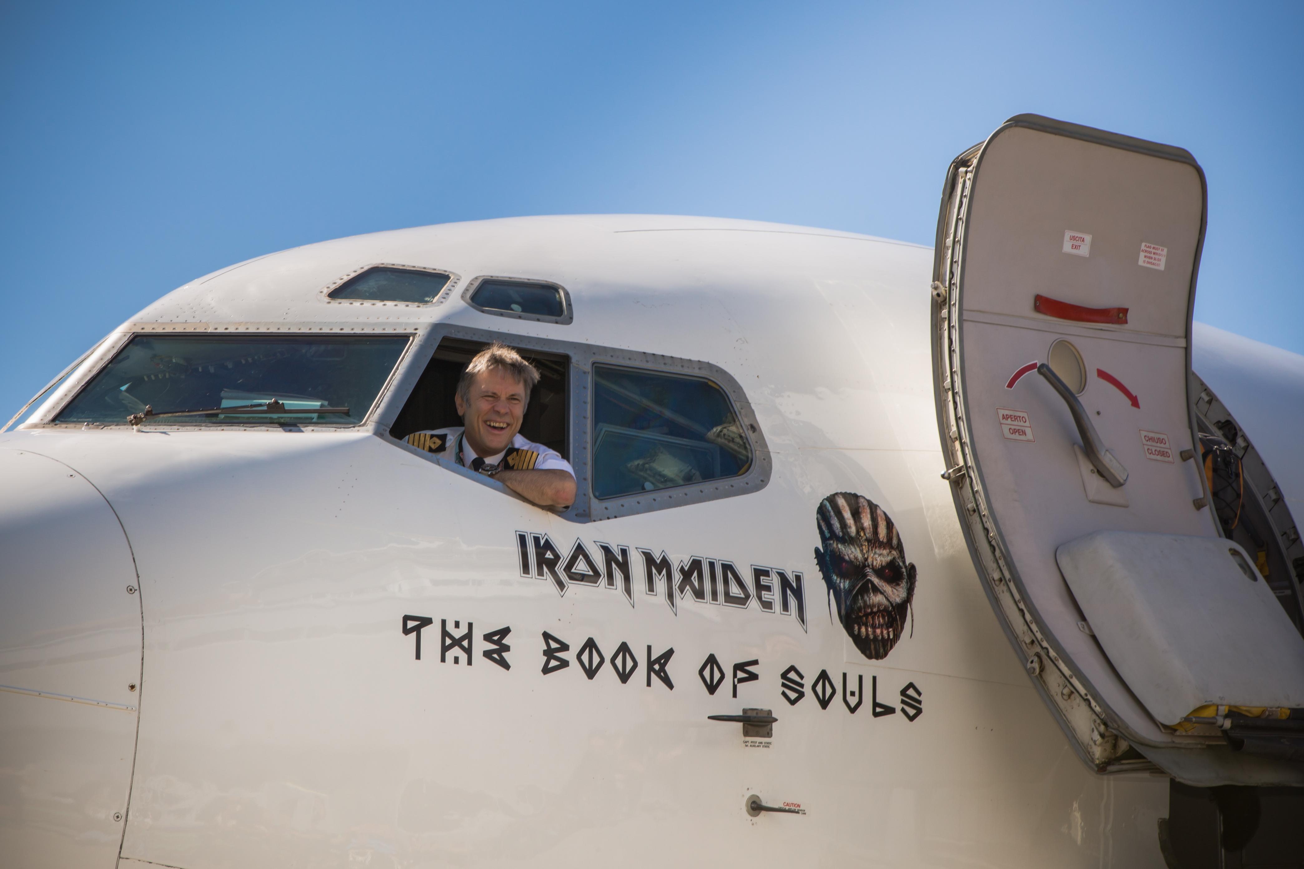 011-34-iron maiden flight666 - cardiff aviation