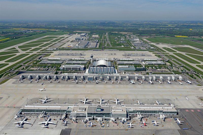 munich airport panorama view flughafen m nchen. Black Bedroom Furniture Sets. Home Design Ideas