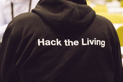 028 YIT Hack the living_.jpg