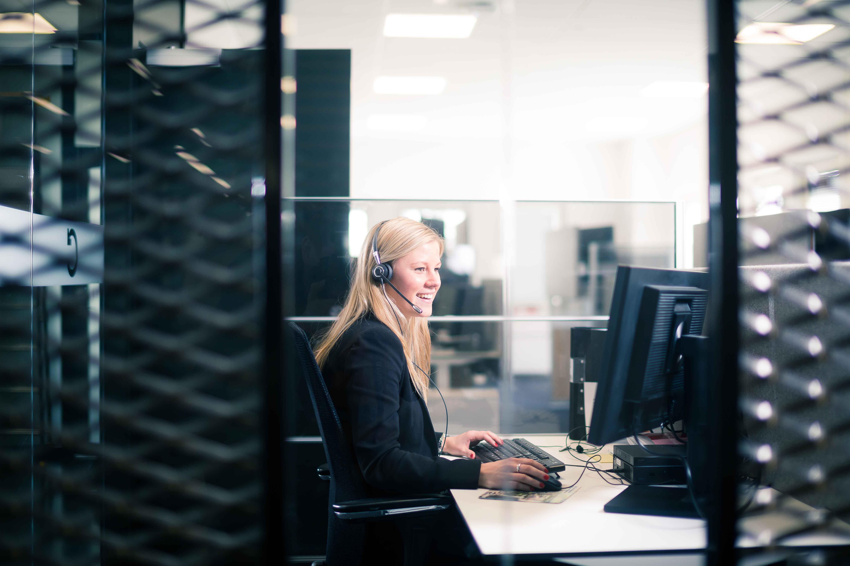 Caverion Mitarbeiterin © Caverion GmbH
