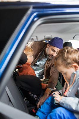Sverige har en hög säkerhet för barn i bil jämfört med andra länder. För  att behålla och stärka den svenska bilbarnstolskulturen tecknas idag en ... 7f371013a950e