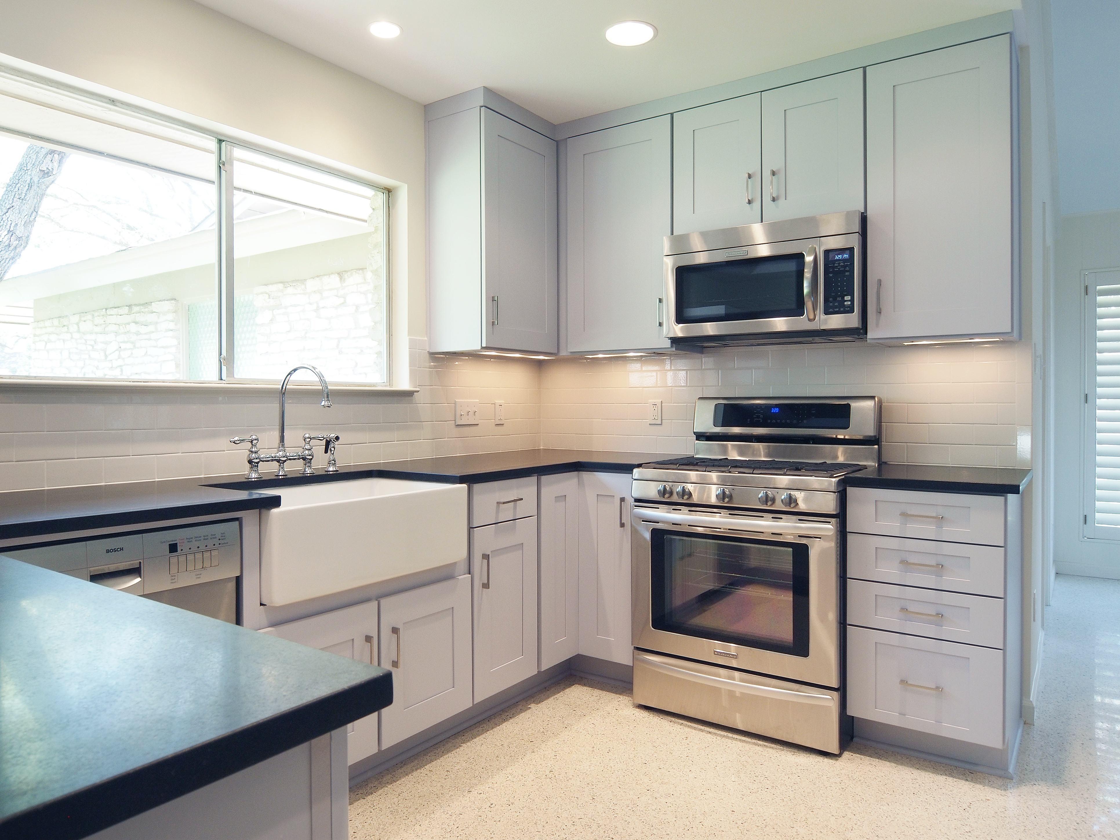 Hajdu kitchen after Hazard Custom Cupboards med Custom Cupboards