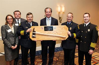 Lt. Gov. Dewhurst Receives Champion of the Axe Award