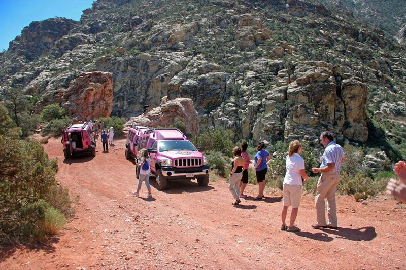 PINK JEEP® TOURS HONORS RED ROCK CANYON AS SIGNATURE TOUR