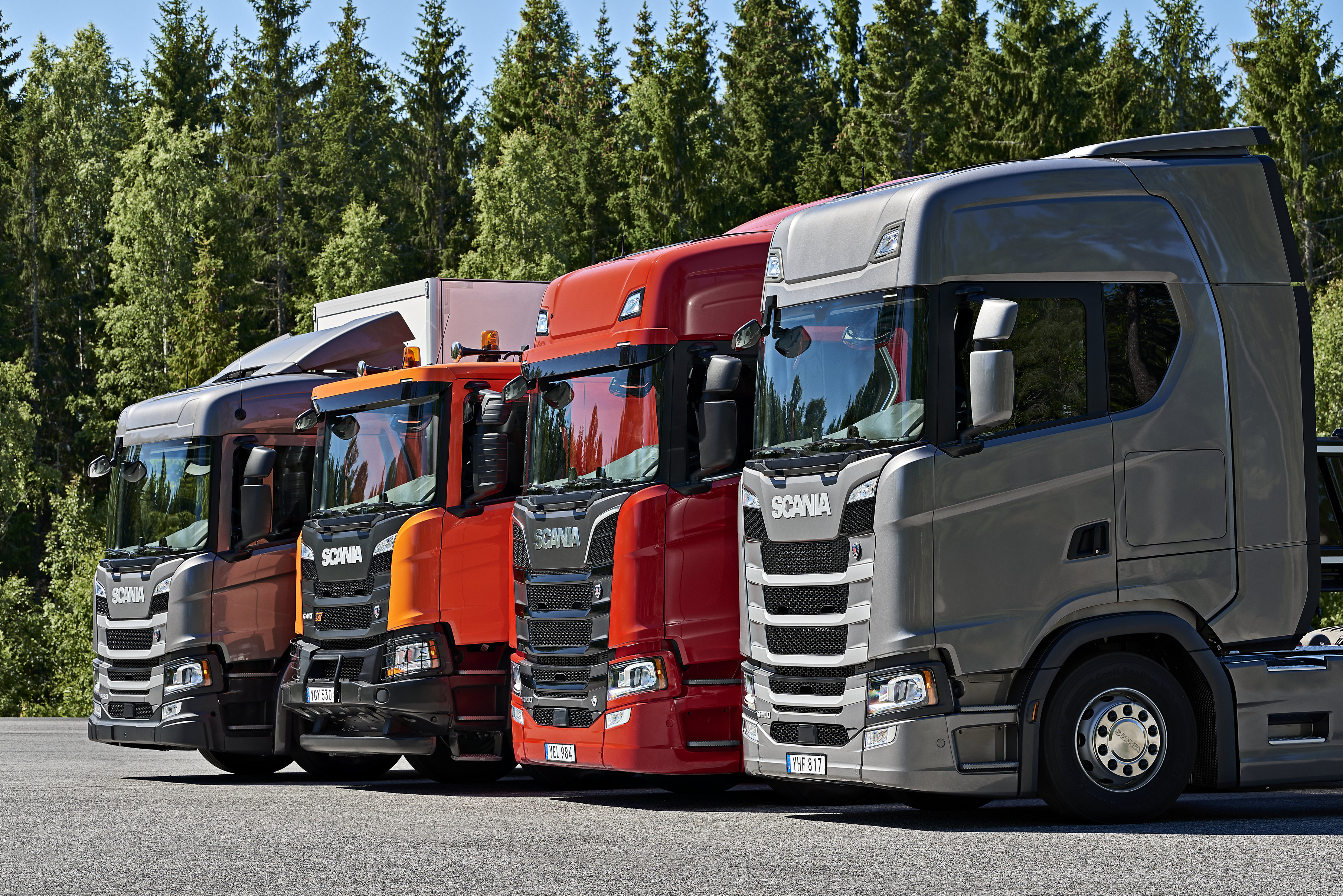 Scania launches new generation construction range scania for Camion americain interieur cabine