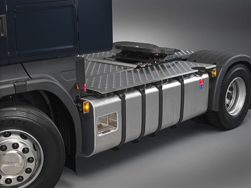 A 40-tonne truck with Scania's Euro 6, inline 13-litre six cylinder engine, producing 410 horse¬power, can in theory drive nearly 3,700 kilometres on a single 900-litre tank as shown in the picture.