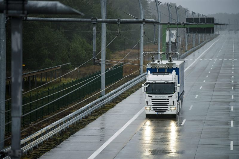Scania will start trials on electrical roads