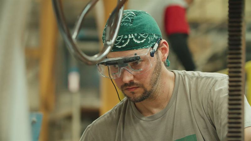 Foundry worker wearing Tobii Pro Glasses 2