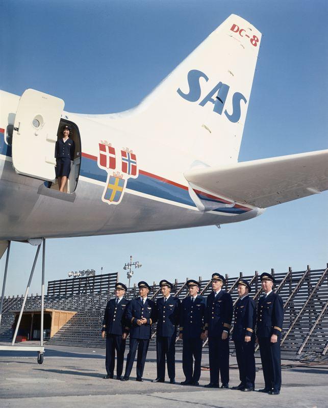 SAS DC-8-33