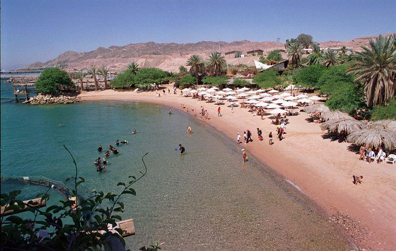 DOLPHIN BEACH - Eilat
