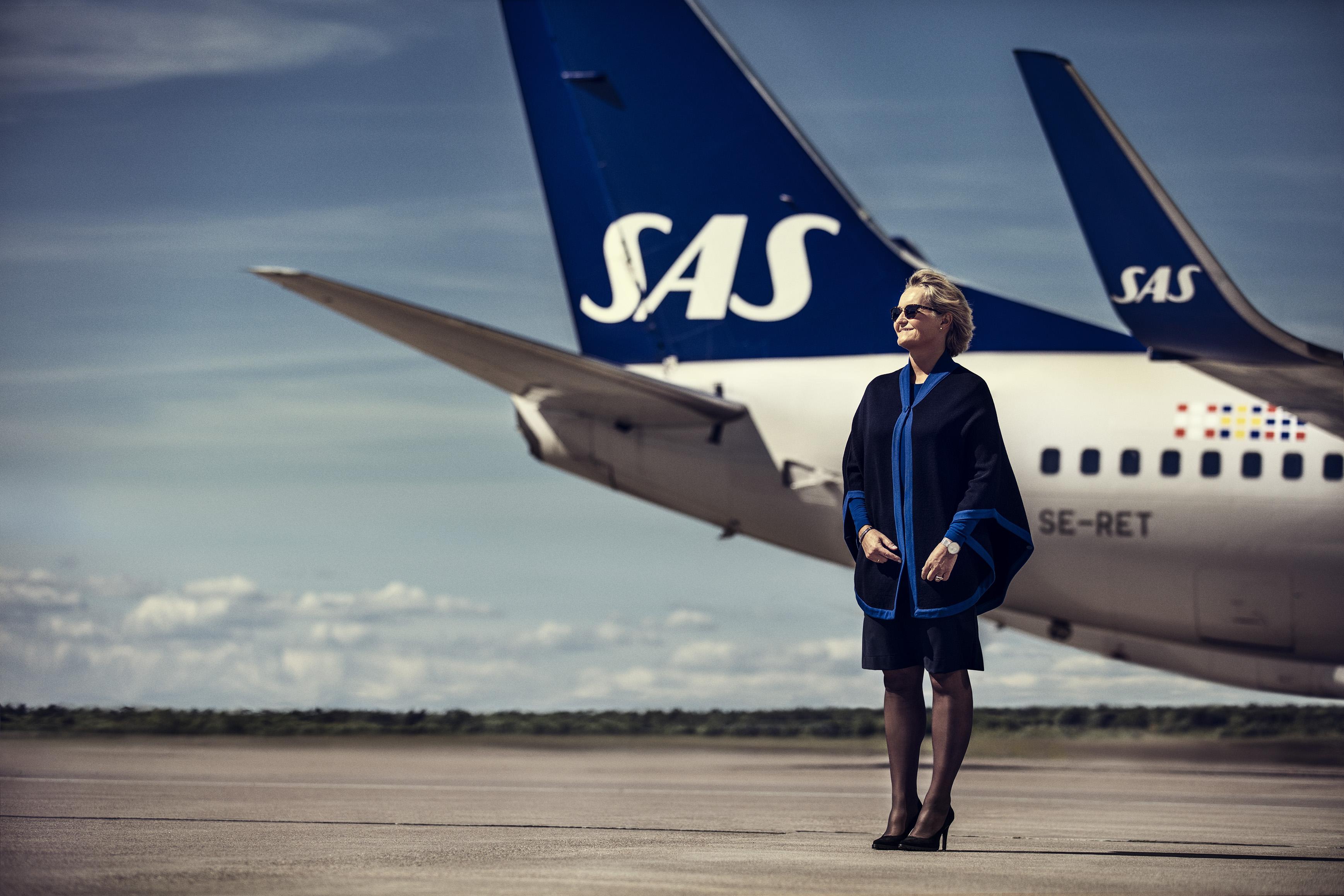 sas youth flights