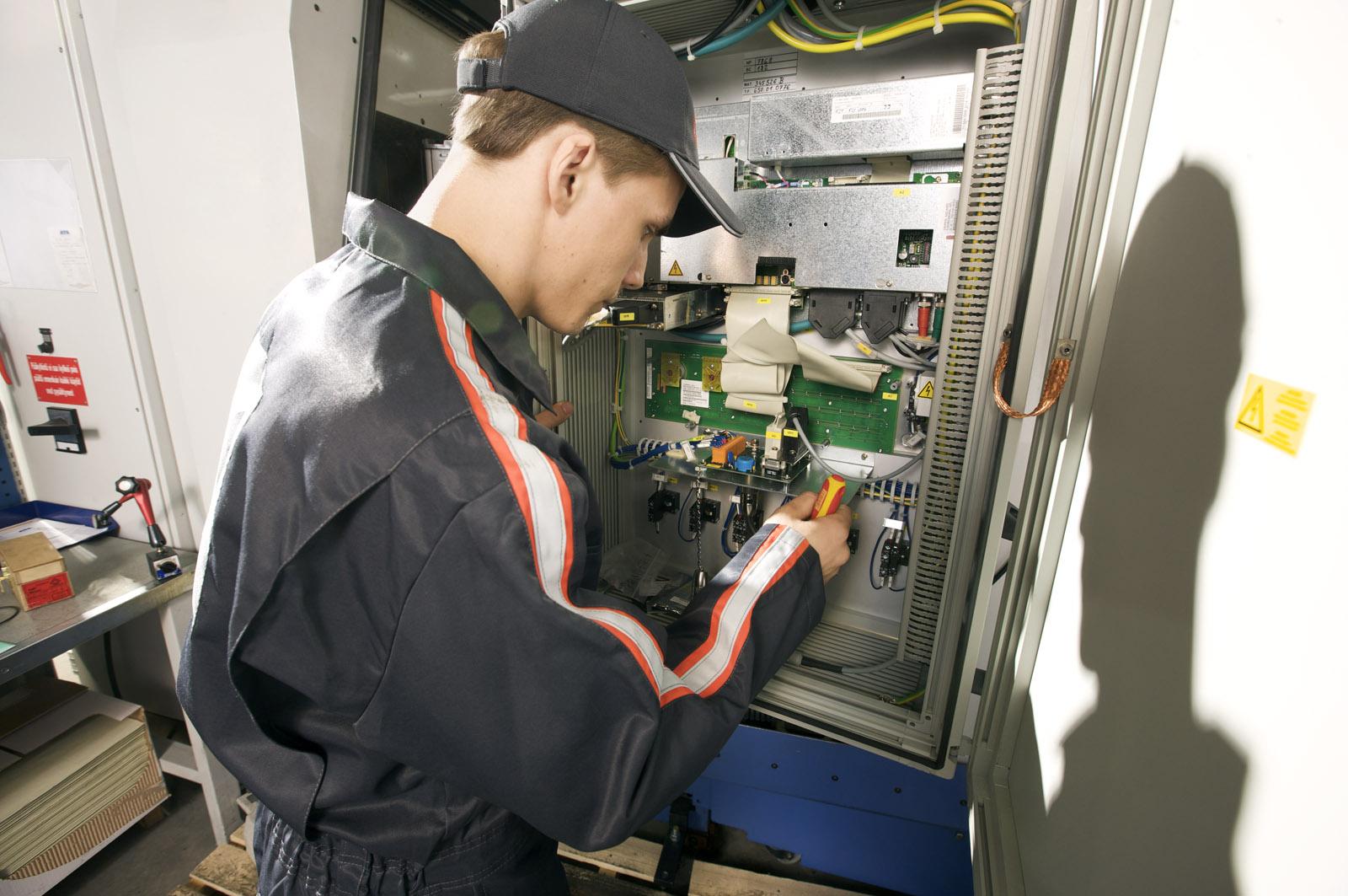 konecranes machine tool service