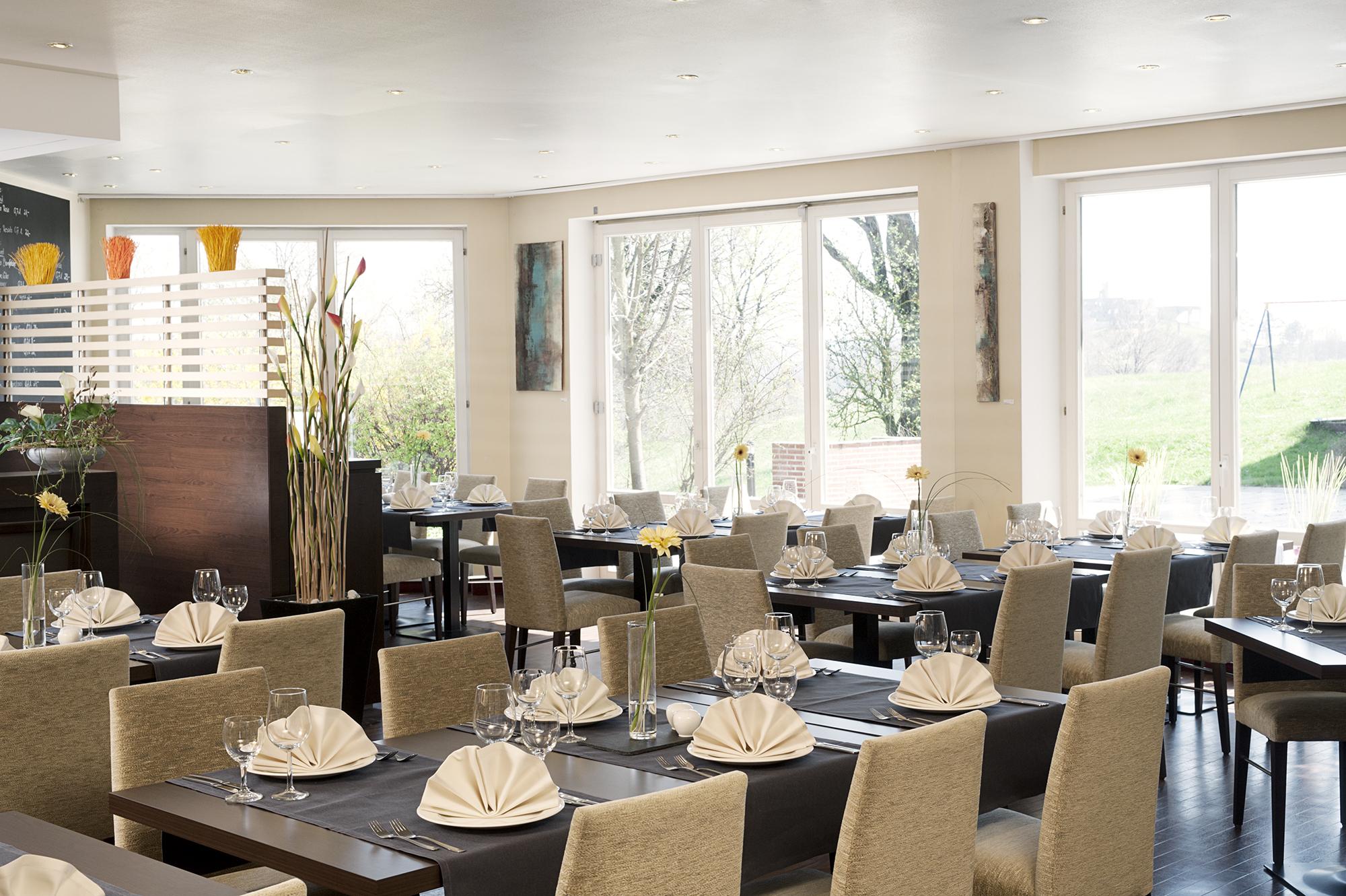 nh aquarena heidenheim restaurant nh hoteles. Black Bedroom Furniture Sets. Home Design Ideas