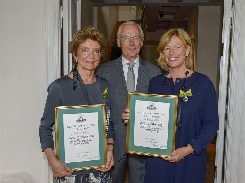 louise westerberg och louise ankarcrona tilldelas medalj