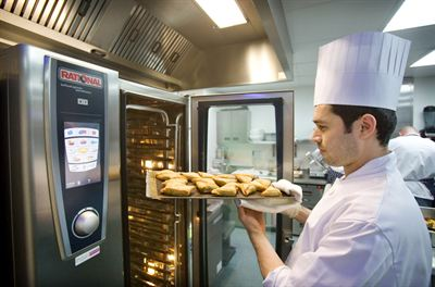 Rational shows the ideal combi steamer for hospital caterers at HCA 2013