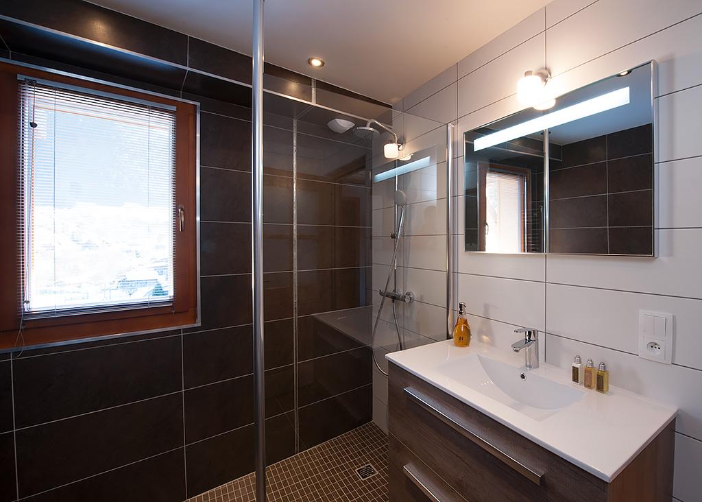 Chalet kaila bathroom heaven publicity for Bathroom heaven