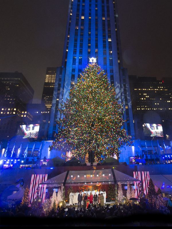 2016 Christmas in Rockefeller Center - NBC CELEBRATES THE HOLIDAY SEASON WITH THE ANNUAL 'CHRISTMAS IN
