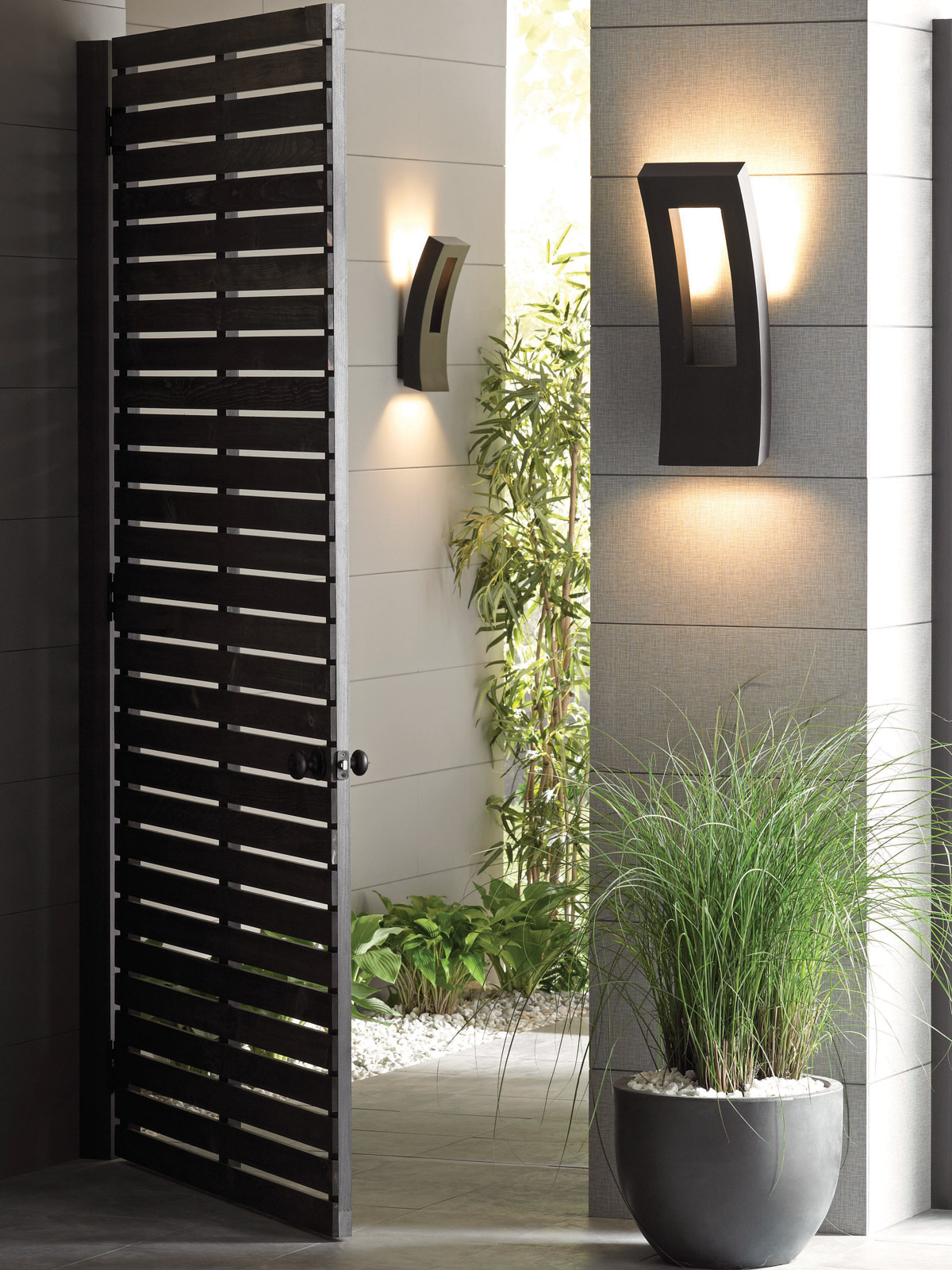 Dawn Indoor/Outdoor LED Wall Sconce by Modern Forms - Lumens.com