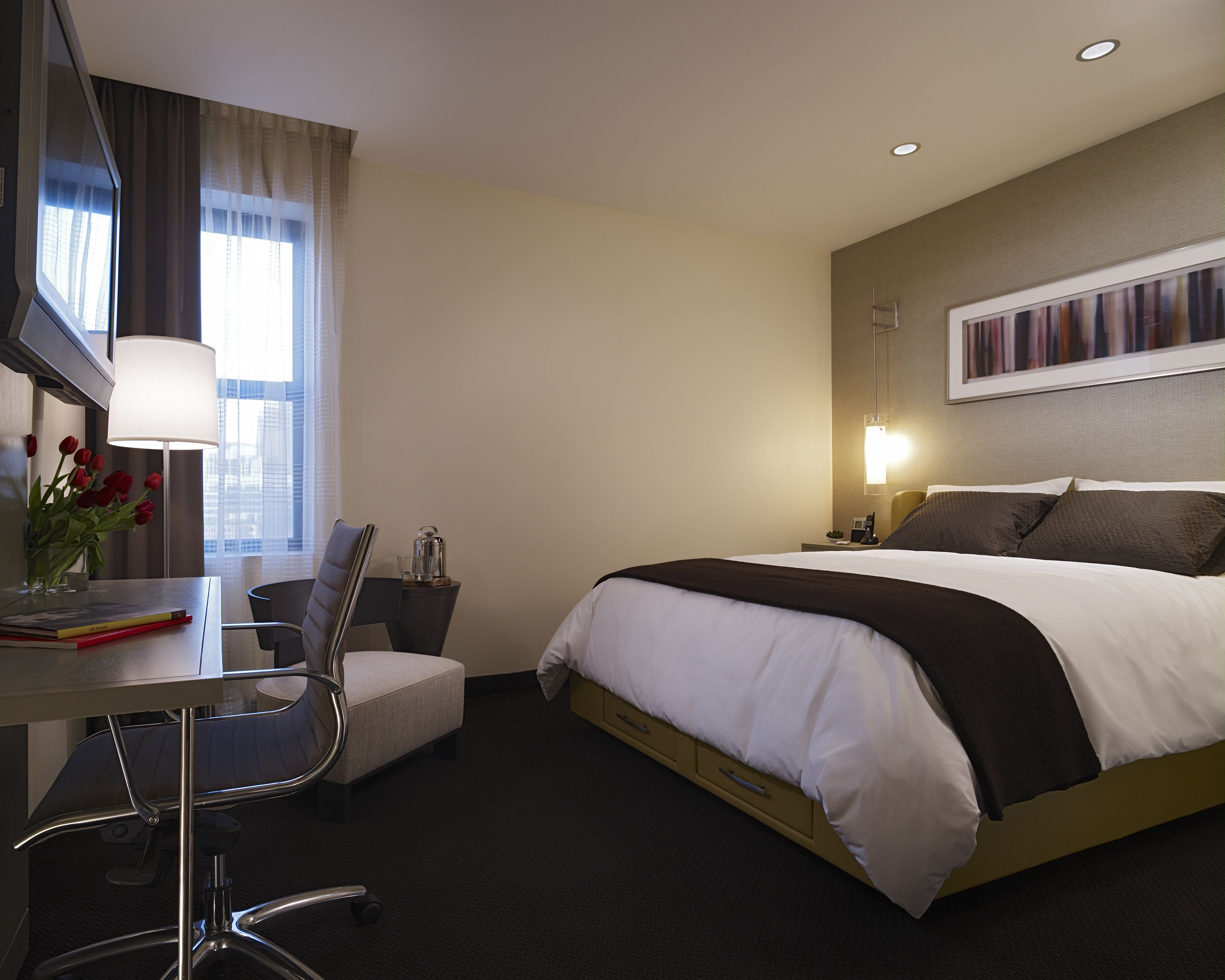 guest room in hotel felix chicago lynch communications group. Black Bedroom Furniture Sets. Home Design Ideas