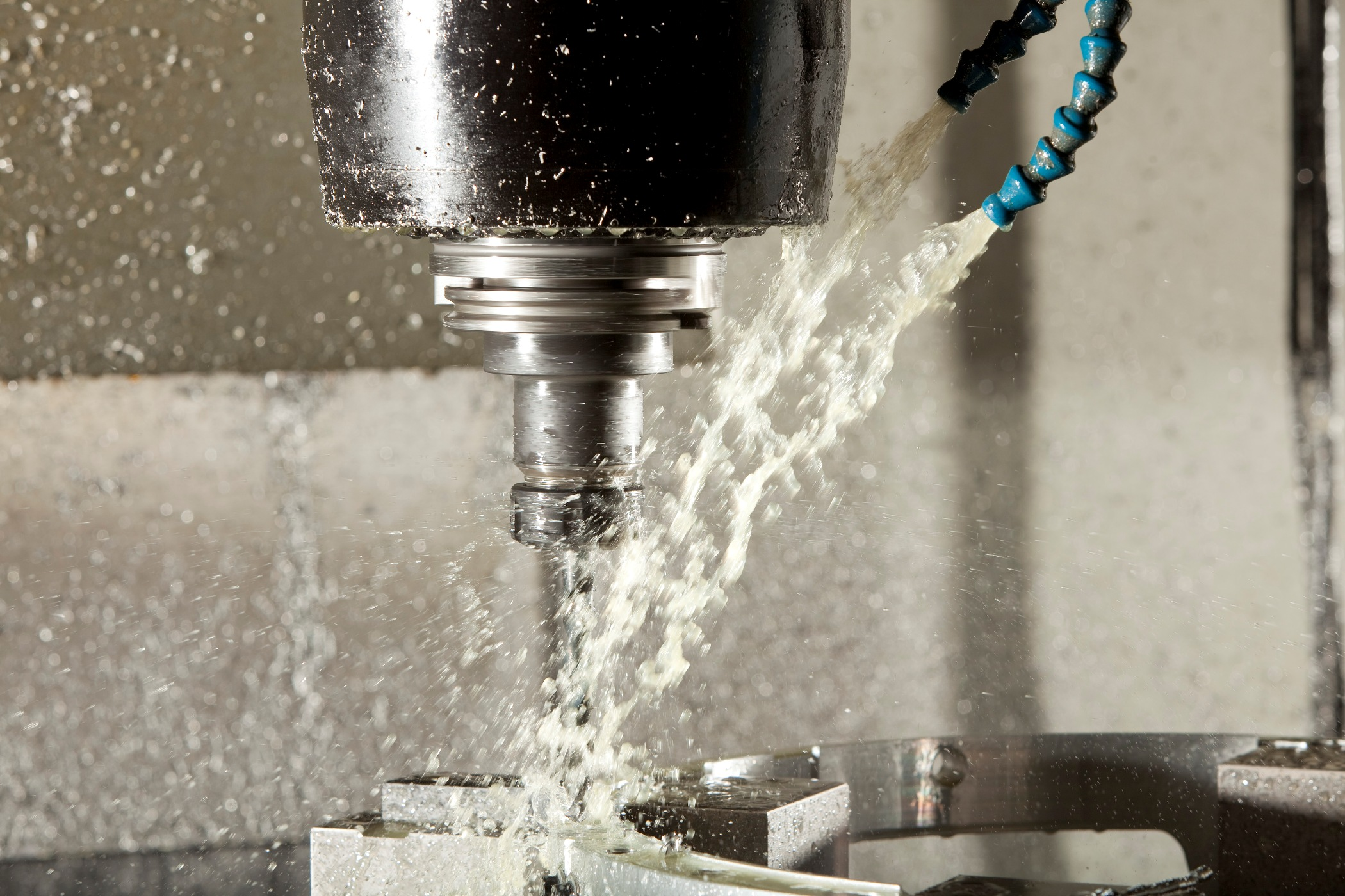 Cutting fluids and lubrication in manufacturing