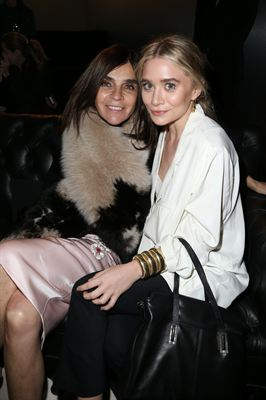 H&M Fashion show - Carine Roitfeld and Ashley Olsen