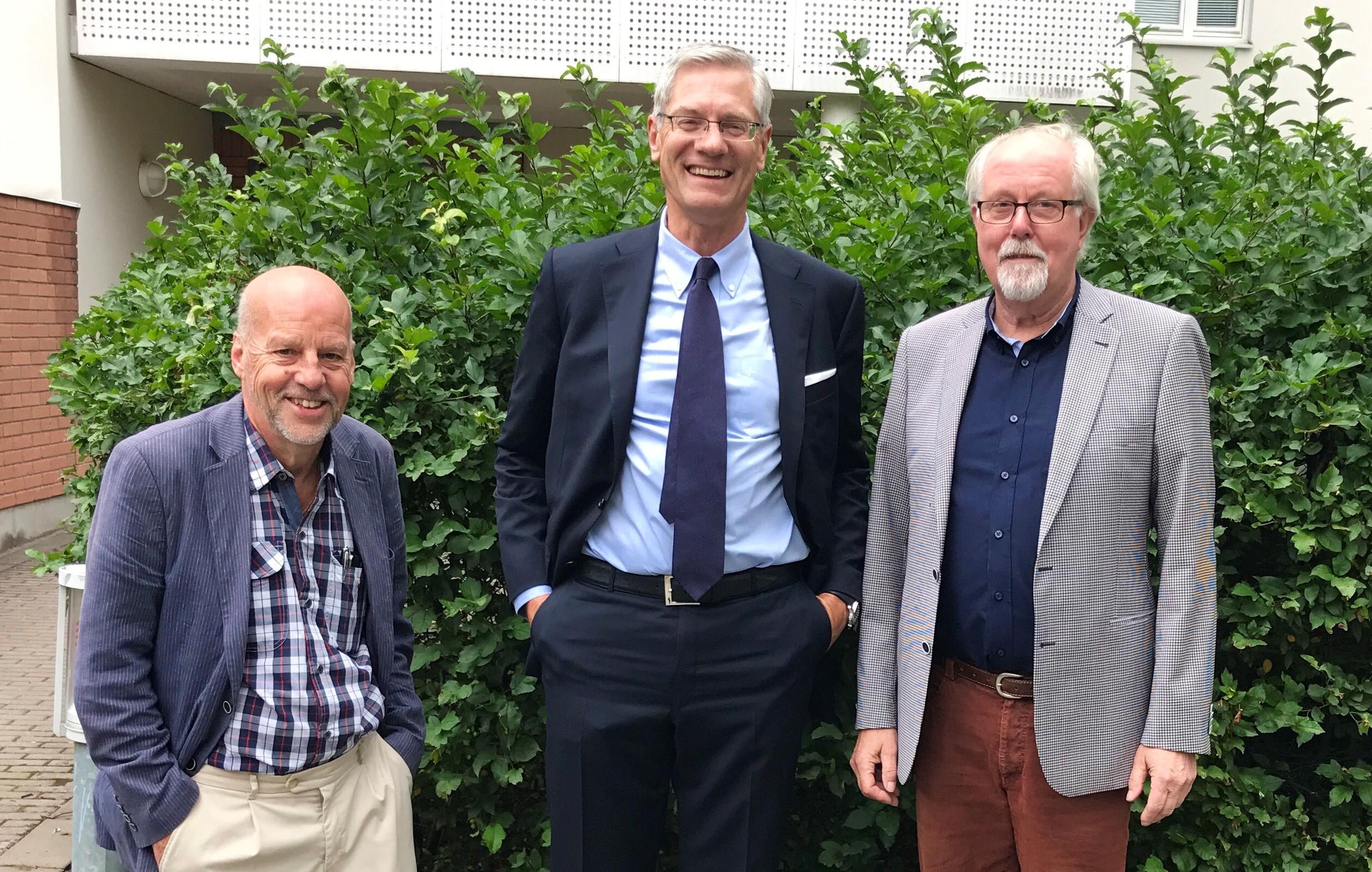 Magnus Hall med Lennart och Lars från bostadsrättsföreningen Haga