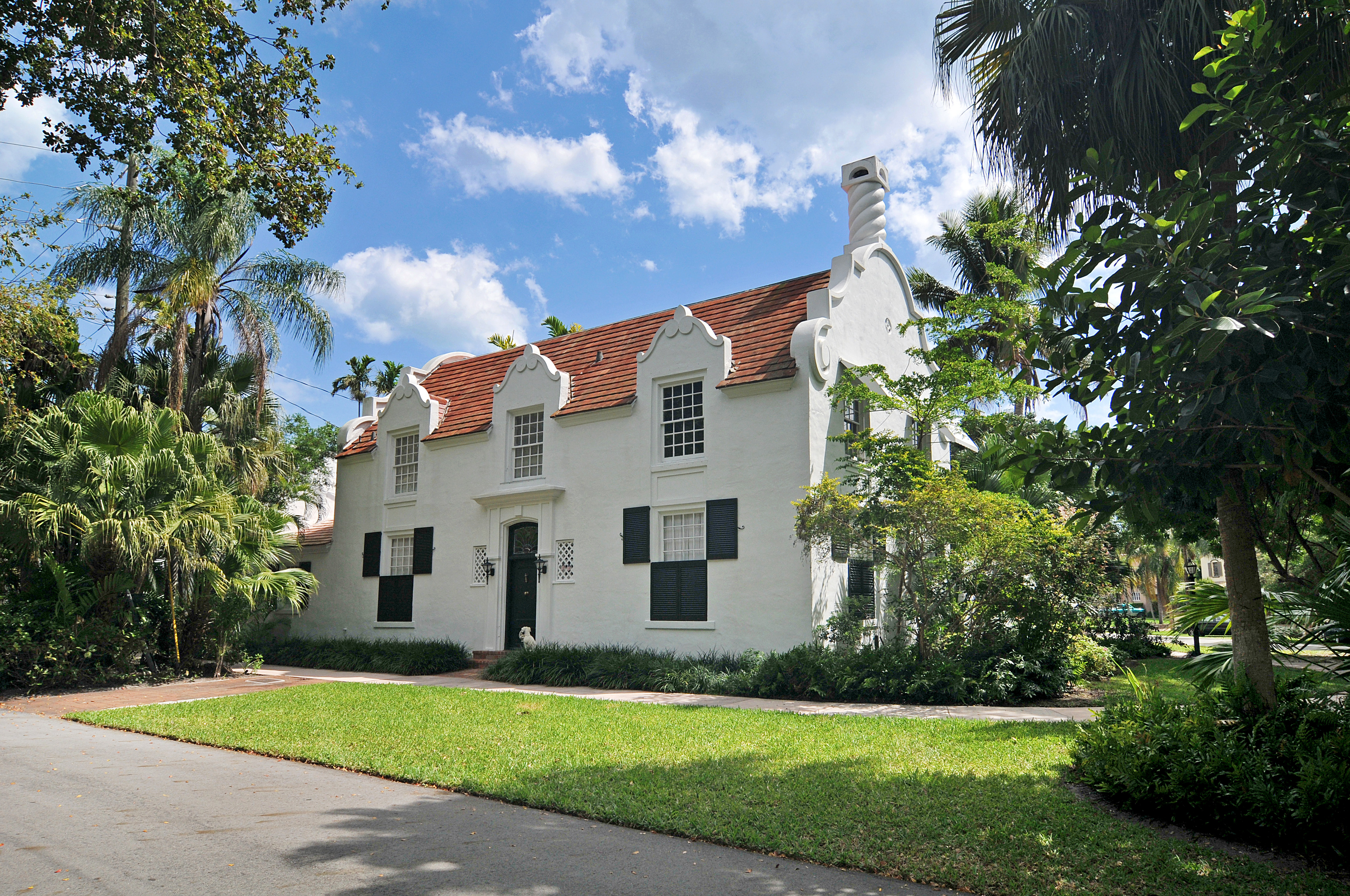 Residential Real Estate : Dutch village home coral gables nrt southeast coldwell
