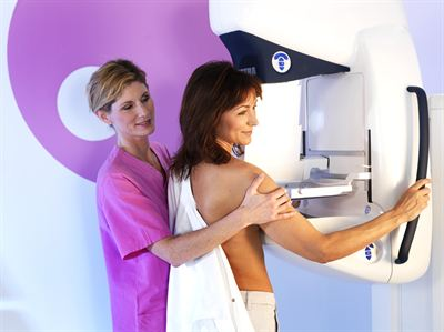 Mammografiunderskning med Sectra MicroDose Mammography