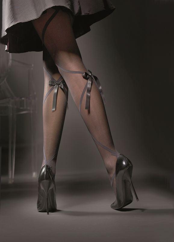 чулки на ногах фото