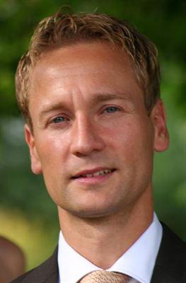 Dennis Legin har från och med den 1 oktober utsetts till ny ekonomidirektör för Reitan Servicehandel Sverige AB. Han efterträder Sverker Carnemark, ... - 8b2e5d6e69632f78_400x400ar