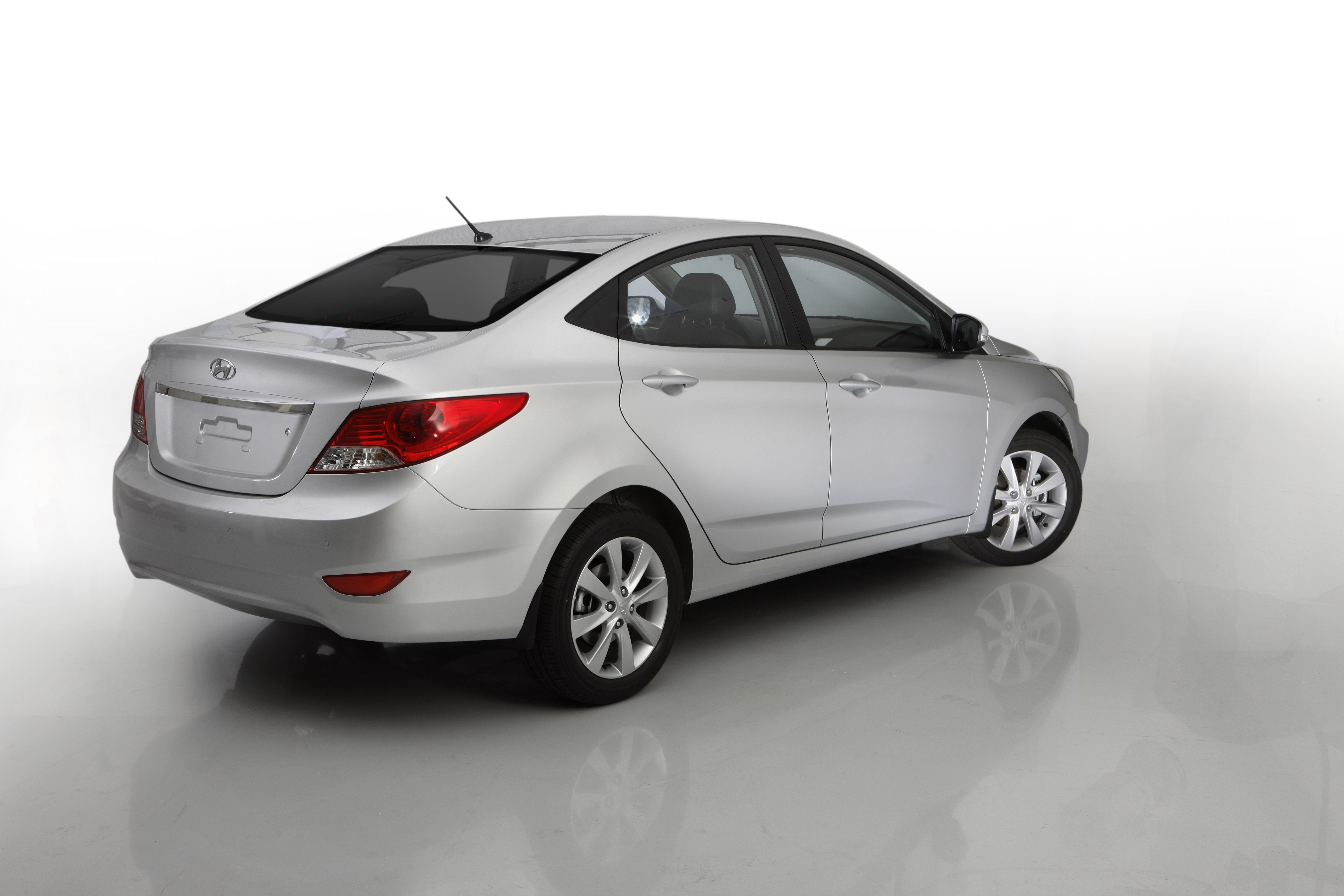 Contacts hyundai motor company 82 2 3464 2160 http www hyundai com