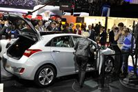 2012 Geneva Motor Show_Hyundai Booth_New generation i30 wagon_1