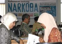 Teachers in Indonesia train to implement The Truth About Drugs program in their classes.