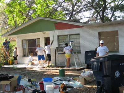 WellCare Associates Participate in Paint Your Heart Out, Tampa to Lend a Helping Hand in Hillsborough County
