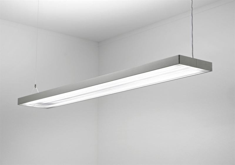 New sleek and stylish suspended luminaires from spectral for Suspente luminaire