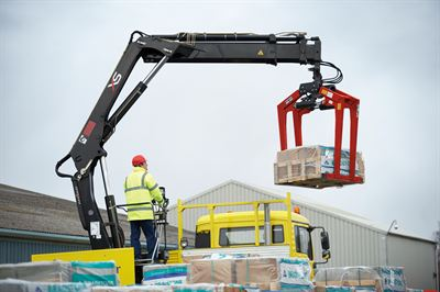 Easy: Cargotec Hiab XS 144 Crane making light work of unloading building materials