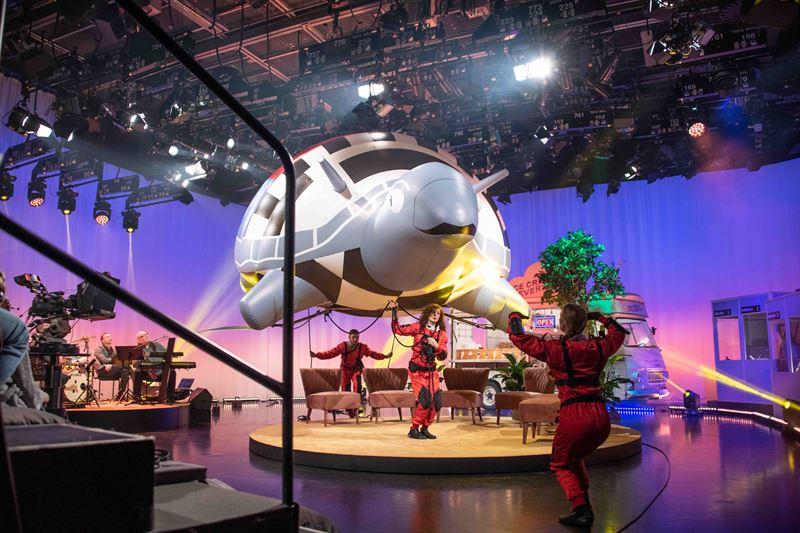 Inspelning av verket Television without frontiers av Andjeas Ejiksson i en tvstudio i Gteborg