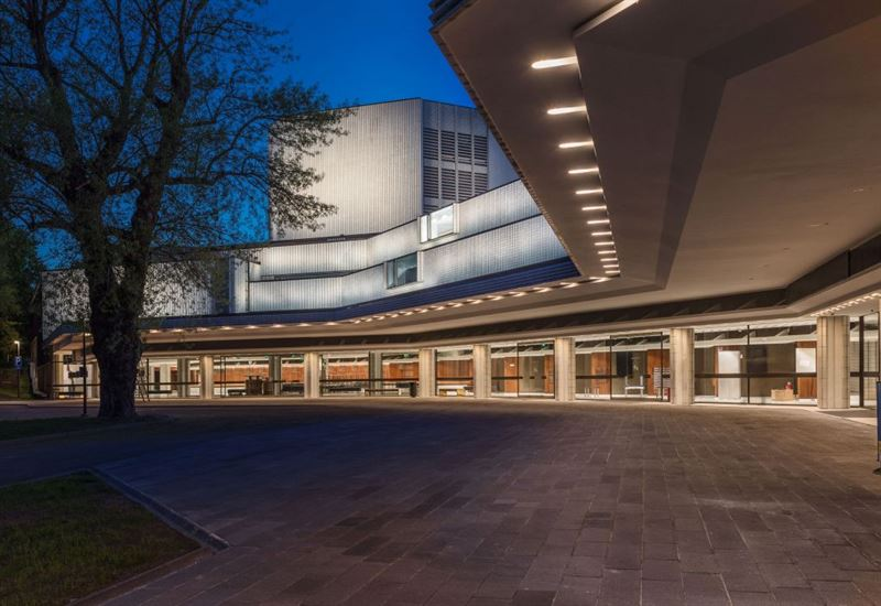 Helsingin Kaupunginteatteri Kuva Arno de la Chapelle