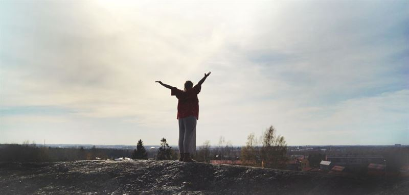 Helsingin Kaupunginteatteri  Valokeilassa Koillinen Lauloit juuri Kuva Sonja Tolonen