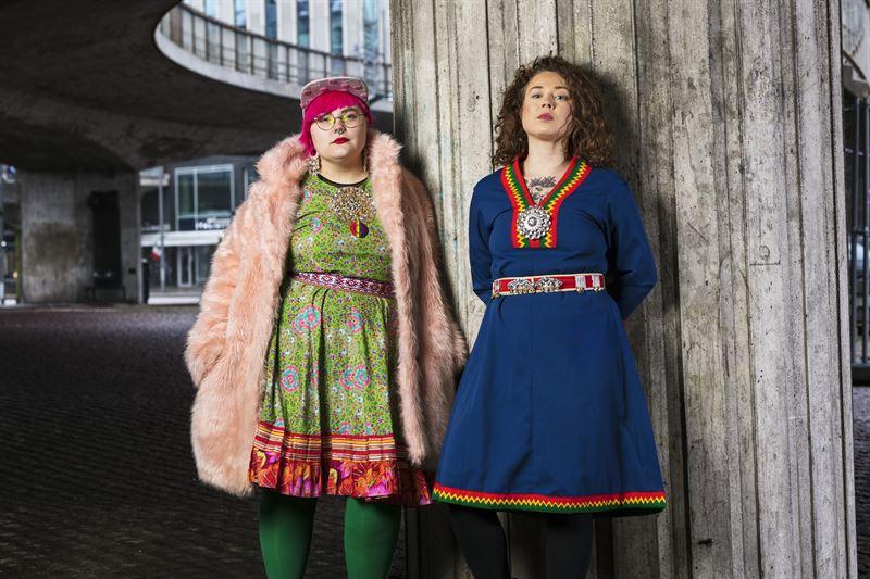 Programledarna Merethe Kuhmunen och Monica Andersson