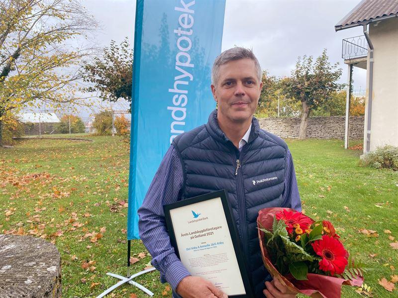 Bild p Olof Ahlby p prisutdelningen i Visby
