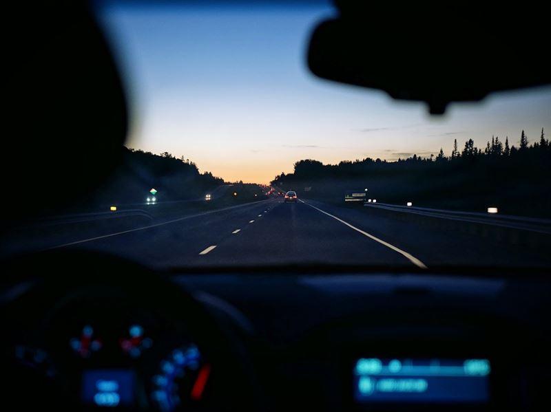 Specsavers ja Taksi Helsinki aloittavat yhteistyön turvallisemman liikenteen  puolesta – taksinkuljettajat ilmaiseen näöntutkimukseen b79d260832