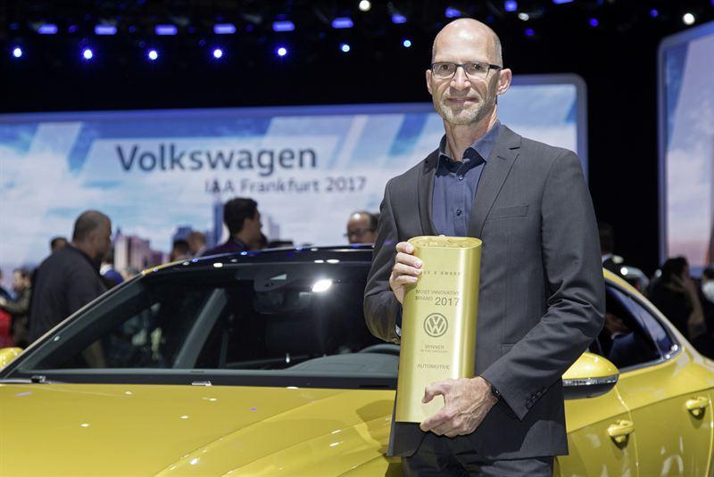 Klaus Bischoff Volkswagenin muotoilusta vastaava johtaja