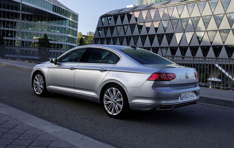 Uudistunut Volkswagen Passat Sedan