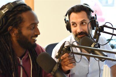 Martin Soneby och Ahmed Berhan spanar om allt äldre personer på jobbet