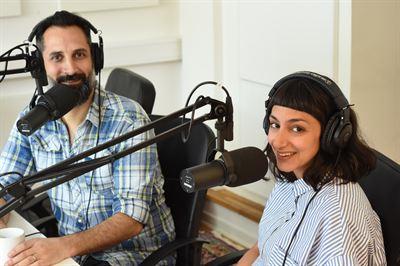 Martin Soneby och Seher Yilmaz spanar om kläder som mäter hur vi mår i tredje avsnittet