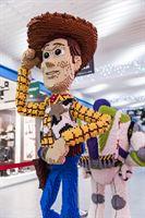 Sadoista tuhansista Lego-palikoista koostuva näyttely avautuu Koskikeskuksessa
