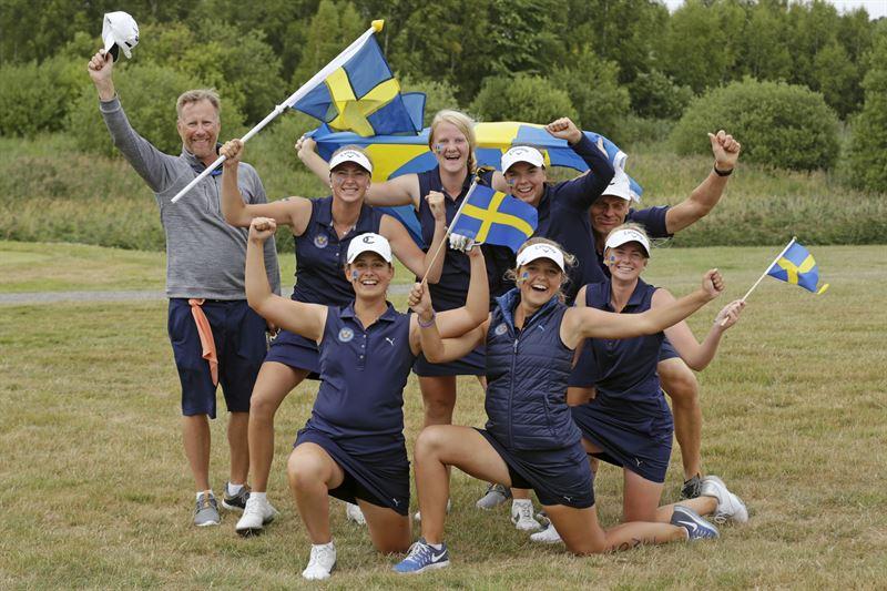 Flicklandslaget jublar efter brons i lagEM 2018